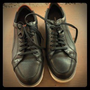 Black Cole Haan shoes. Size 10.5